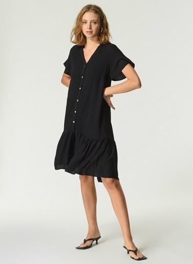 NGSTYLE Kadın Düğme Detaylı Volanlı Elbise NGKSS21EL0072 Siyah